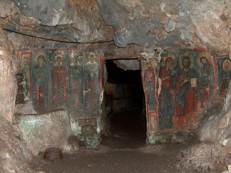 Cythere10-la grotte de ste sophie