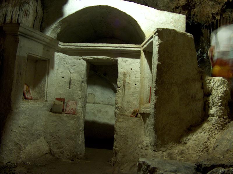 Cythere12-la grotte de ste sophie