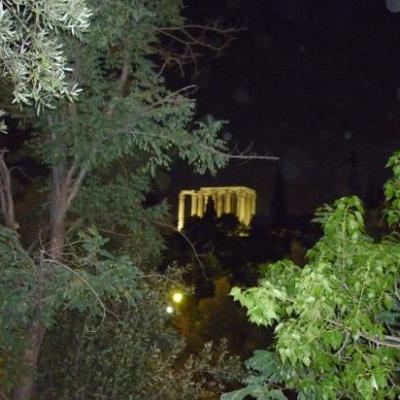 Temple de Zeus-Athènes la nuit