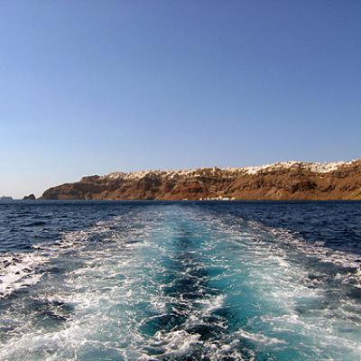 En quittant Santorin