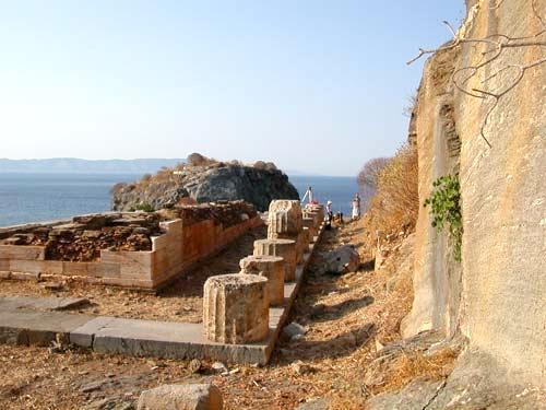Kea09-Temple d'Athena