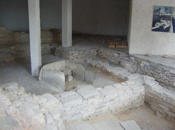 Paros36-ancien atelier de poterie