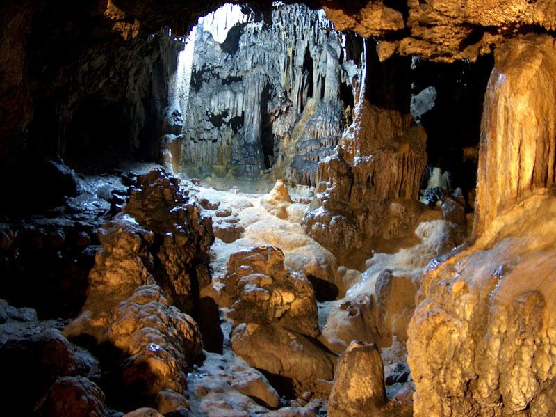 Cythere11-la grotte de ste sophie