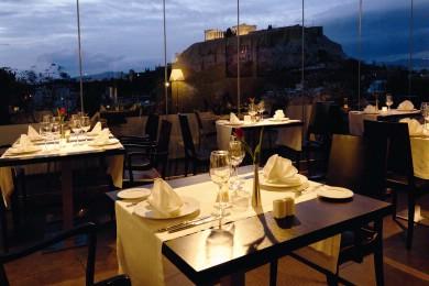 Sur les cafés terrasse à Athènes