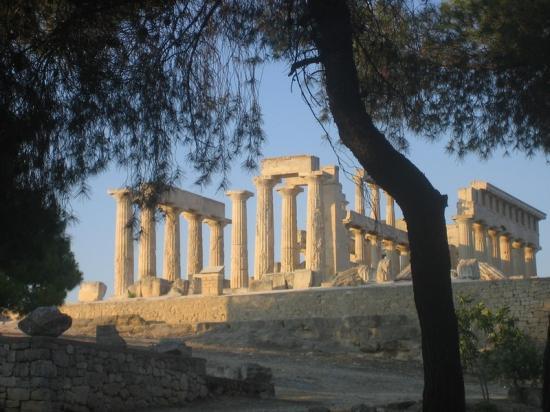 Temple sur l'île d'Egine-Golfe Saronique-Grèce