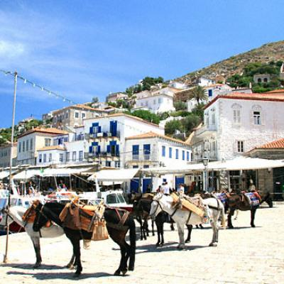 Petit port de l'île d'Hydra-Golfe Saronique-Grèce