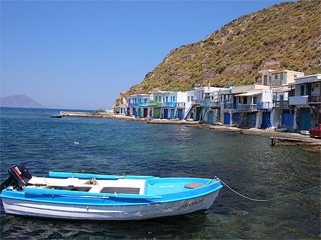 Port de pêche à Milos-Cyclades-Grèce