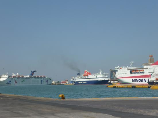 Le port du Pirée