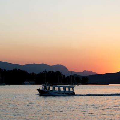 Coucher de soleil... une merveille sur une mer limpide et calme...