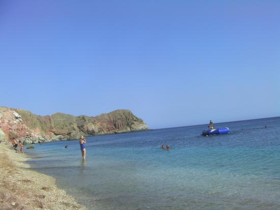 Plage sur l'île de Milos