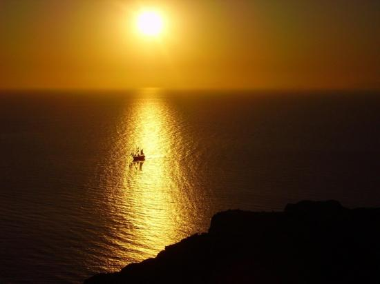 Coucher de soleil... des merveilles... sur une mer limpide et calme...