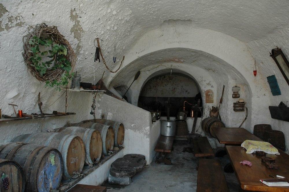 Santorin 16 Akrotiri taverne troglodite